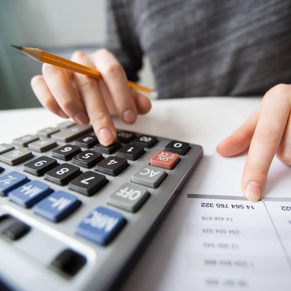 contable con calculadora
